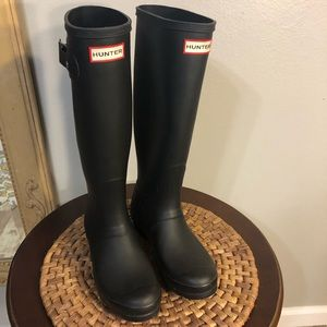 Tall Matte Black HUNTER Boots. Like New Condition